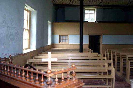 Monksthorpe_Baptist_Church_interior_rear_window